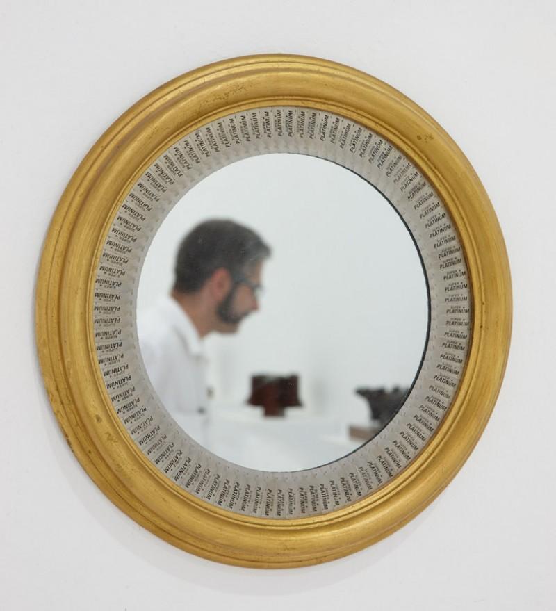 Mirate no te cortes Ensamblaje de cuchillas de acero y espejo