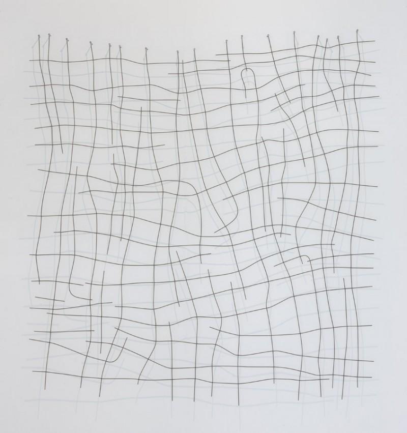 Sin título. 2007. Serie Juegos de artificio Ensamblaje de muelles y tela metalica. 185 x 179 cm